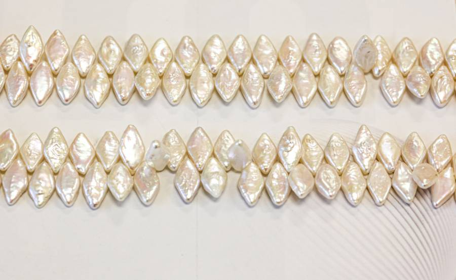 101-0005 Freshwater Pearl 15x Diamond Drop