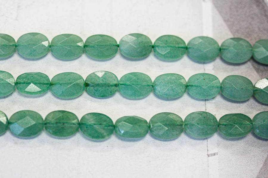 138-1105 Aventurine 8x10 Faceted Flat Oval