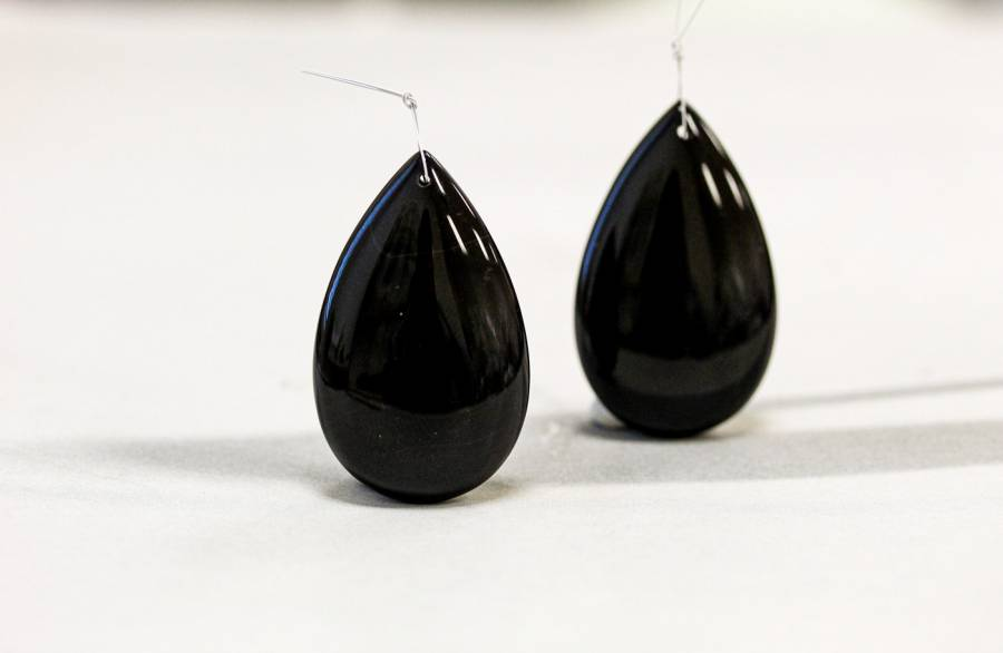 140-1561 Black Onyx 39x24mm Pear Pendant