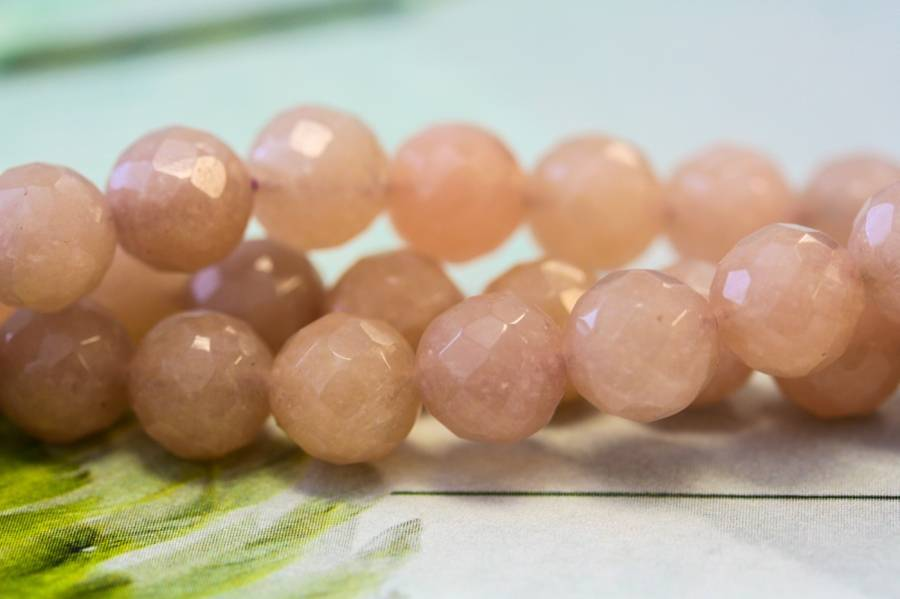 179-1667 Peach Moonstone 8mm Faceted Round
