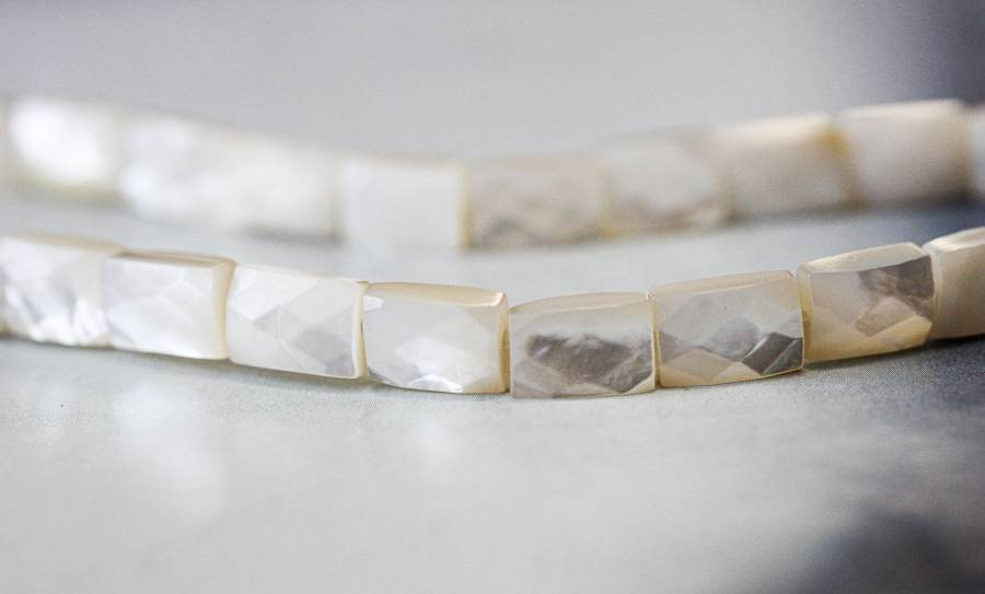 181-1142 Mother of Pearl 7x10 Faceted Flat Rectangle