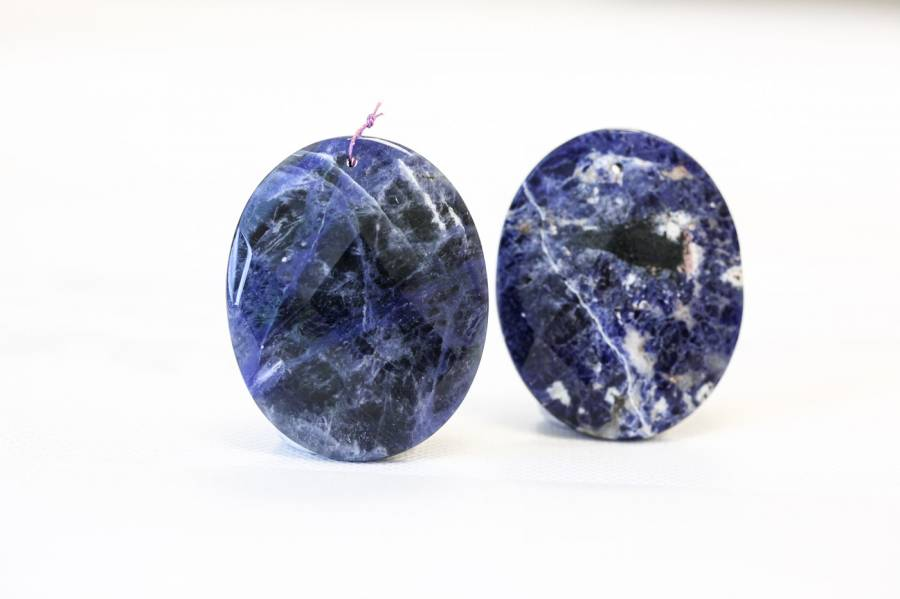 206-1069 Sodalite 40x50 Faceted Flat Oval Pendant
