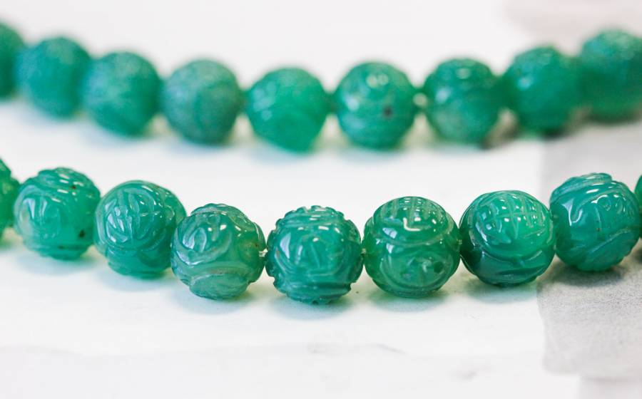 222-1099 Green Onyx 12mm Carved Round