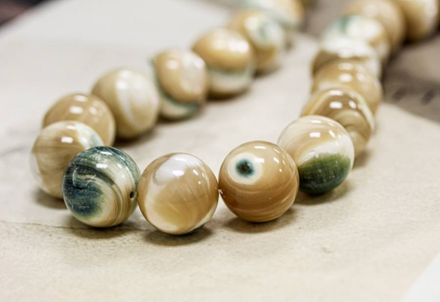245-1334 Natural Mother of Pearl 19mm Round