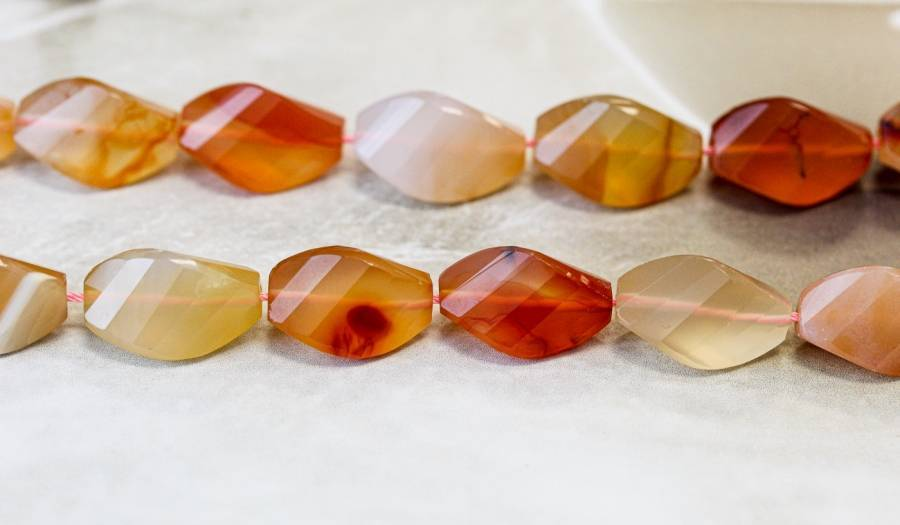 265-1331 Natural Carnelian 12x18 Strip-faceted Twist Tri-Oval