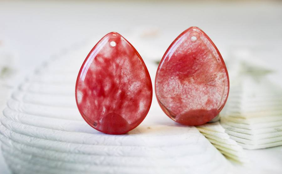 276-1118 Cherry Quartz 30x40 Flat Pear Pendant